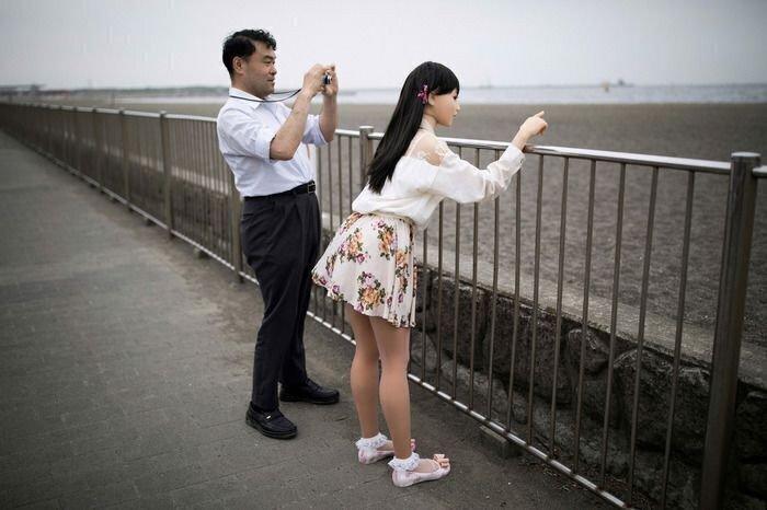 В Японии мужчины давно перешли на реалистичных кукол вместо реальных женщин