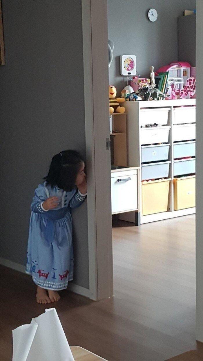 """""""С тех пор, как моя племянница посмотрела """"Историю игрушек"""", она делает так: кричит """"Я ухожу!"""", а потом тихонько заглядывает в свою комнату"""""""
