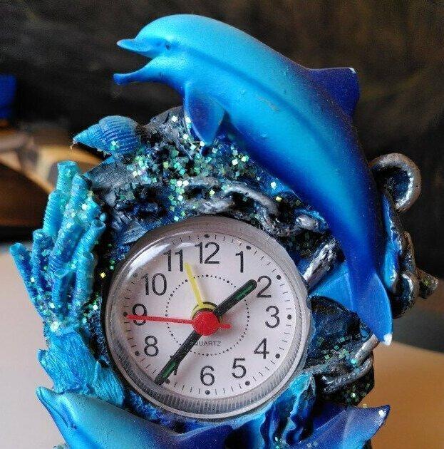 """""""Этот подарок мне тщательно и с большой любовью выбрала дочь, когда ей было 5 лет. В 12 лет она спросила: """"Мам, а почему мы храним эти жуткие часы?"""""""