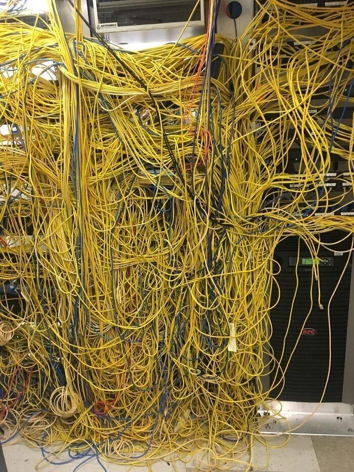 3. Серверная в больнице