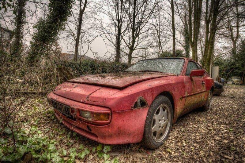 Abandoned Porsche 944
