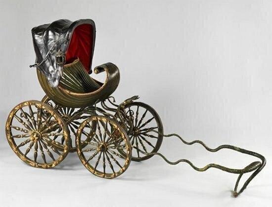 Первая детская коляска