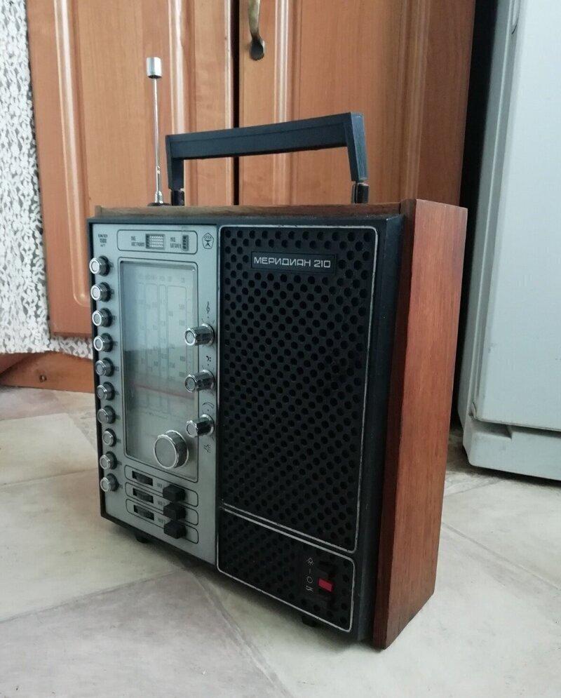 """Радиоприемник """"Меридиан"""""""