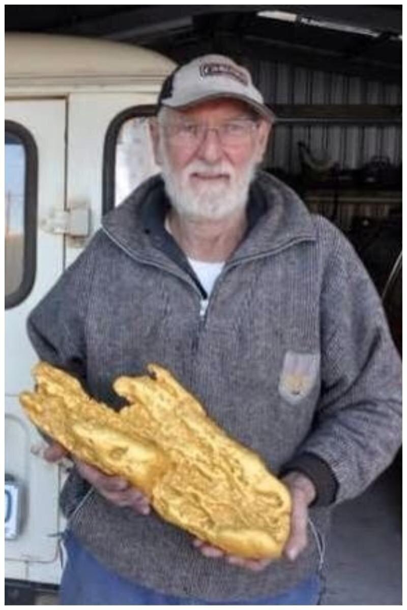 Золотой самородок, найденный с помощью металлоискателя - 27 кг