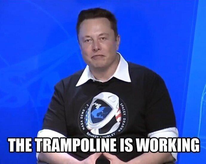 """Илон Маск припомнил Рогозину: """"Батут работает!"""""""