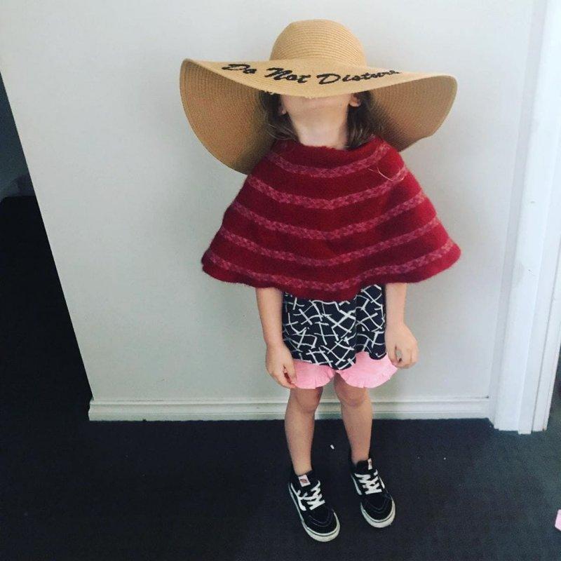 Как дети одеваются без присмотра родителей