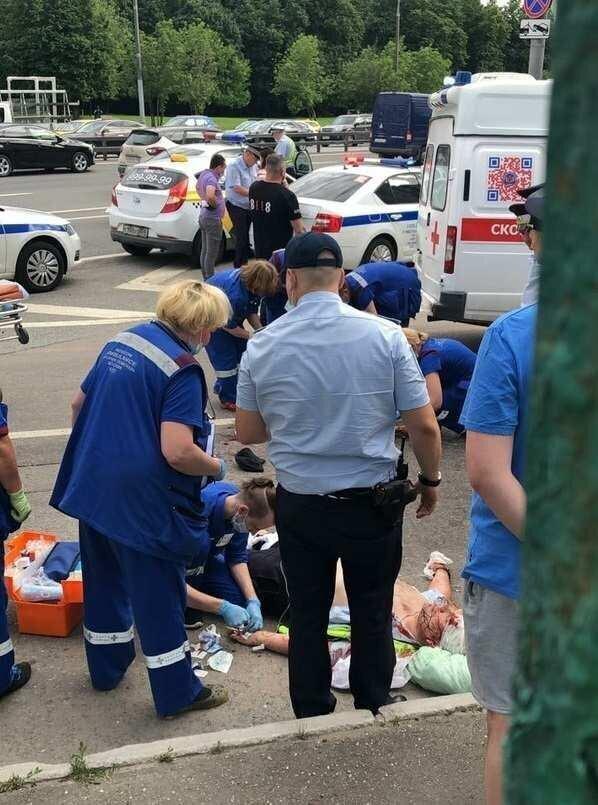 На Ленинском проспекте в Москве обстреляли двух сотрудников ДПС