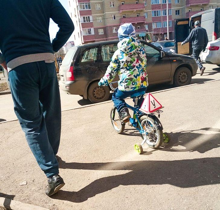 Правила дорожного движения нужно учить с детства