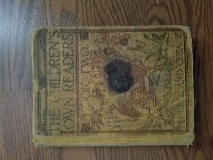 """""""У меня эта книга со школы, я нашел ее на гаражной распродаже. И уже тогда на ней была отметина от огня"""""""