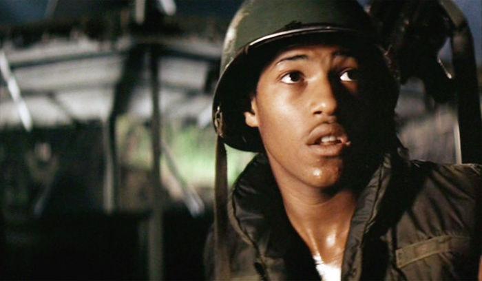 """2. Лоуренс Фишборн. Актеру было всего 14 лет, когда он снялся в роли солдата в фильме """"Апокалипсис сегодня"""""""