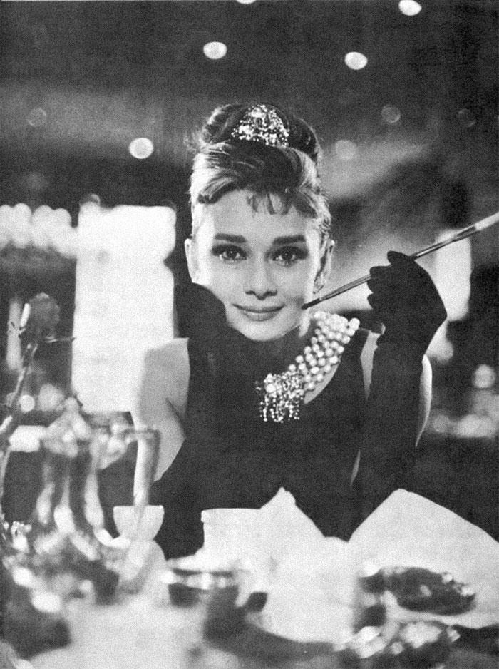 """3. Одри Хепберн в 32-летнем возрасте изобразила 18-летнюю девушку в """"Завтраке у Тиффани"""""""