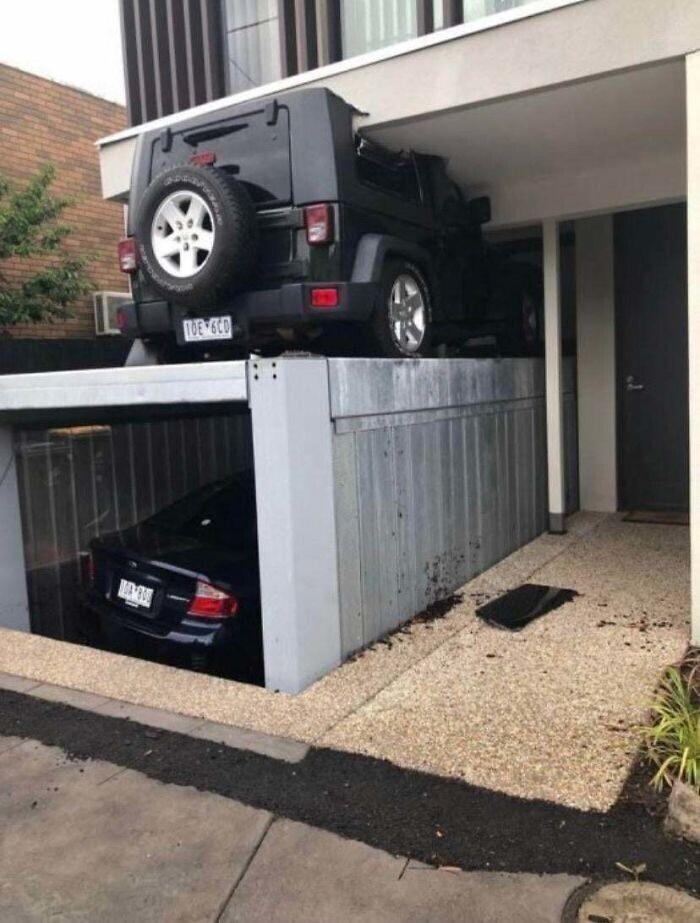 Когда случайно оказался на крыше подъемного гаража