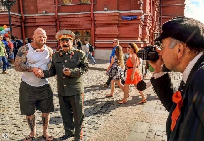 Ленин фотографирует Сталина
