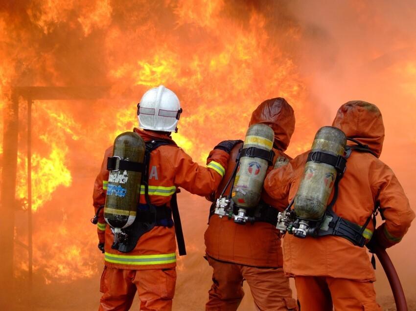 Пожарные, военные, медики - вообще без слов