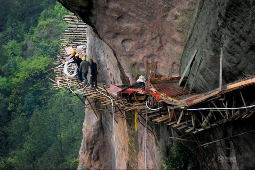 Строители туристических троп в Китае