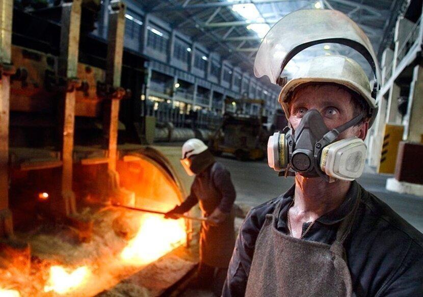 Сталевары - вечная жара, огонь и расплавленный металл