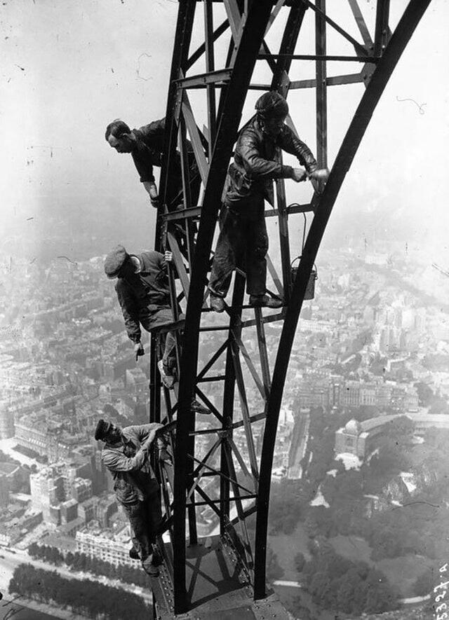 Покраска Эйфелевой башни, 1932 год