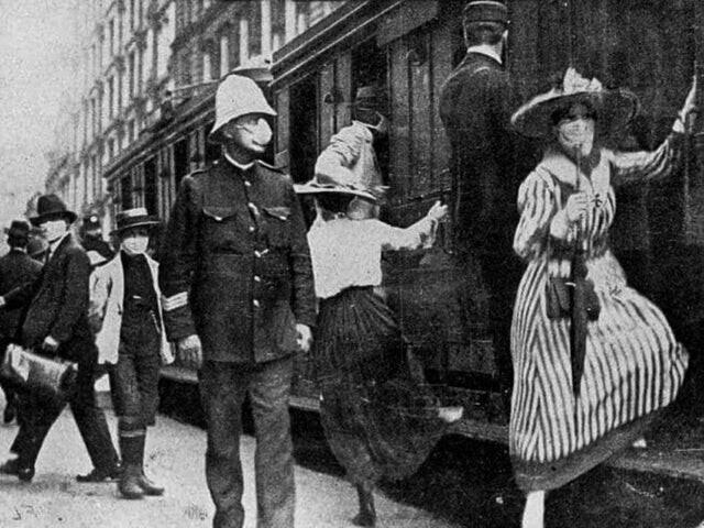 Так перемещались люди в поездах во времена испанского гриппа, 1918-1920 гг.