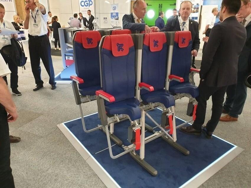 Как вам идея стоячих мест в самолёте?