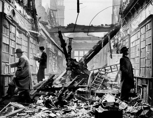 Чудом уцелевшие книги лондонской библиотеки, 1940 год