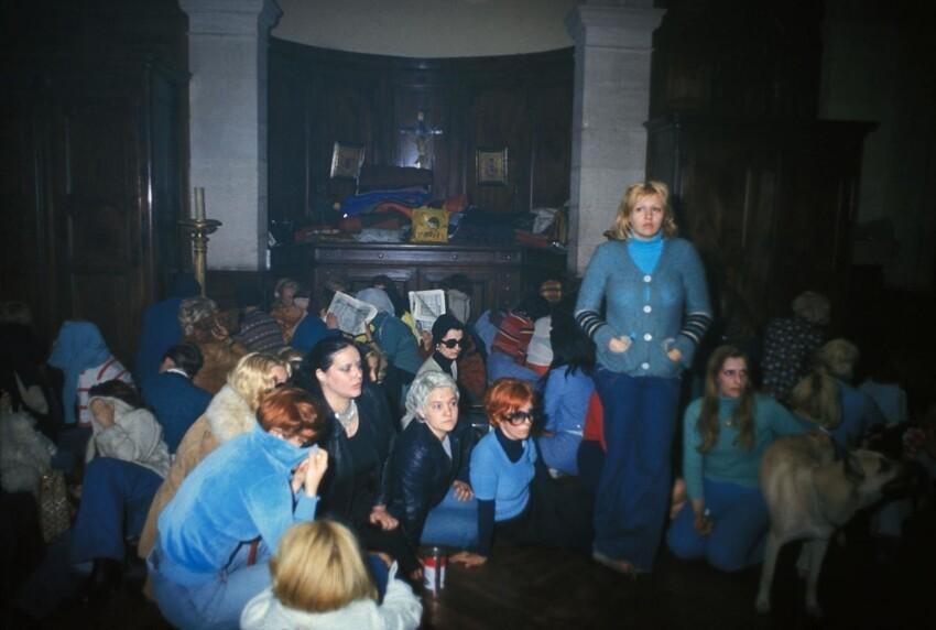 Восстание проституток в Лионе, 1975 год. 2 июня 1975 года более 100 проституток заняли церковь Сен-Низье и объявили забастовку. Священник их не выгнал, а полиция справилась лишь через 10 дней. Этот день считается днем борьбы работниц секс-индустрии з