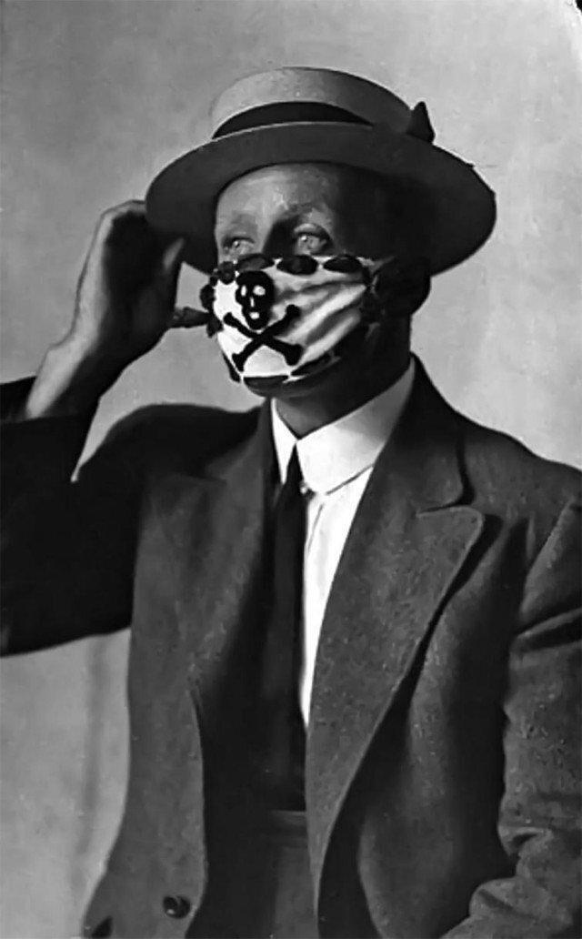 Не 2020 ввел моду на разные маски, а 1918-й, когда пандемия испанского гриппа унесла 50 миллионов жизней