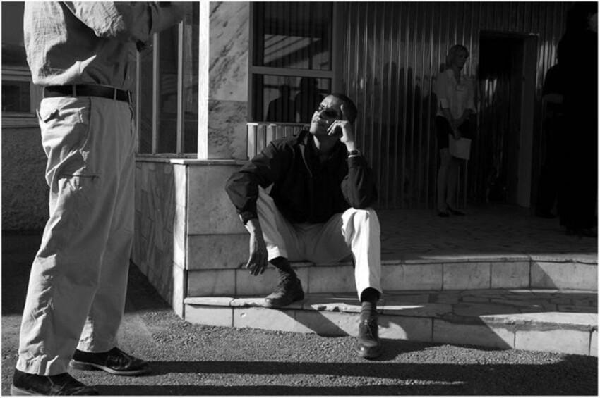 2005 года, Барак Обама в Перми  ждет в аэропорту Большое Савино рейс задержанный пограничниками