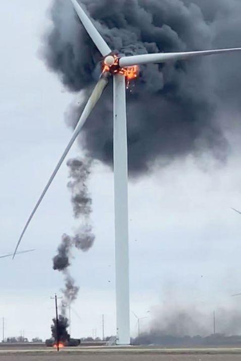 Ветрогенератор мощностью 1 МВт сокращает ежегодные выбросы в атмосферу 1800 тонн СО2, 9 тонн SO2, 4 тонн оксидов азота