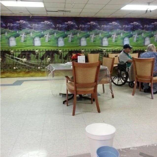 Это столовая в доме престарелых
