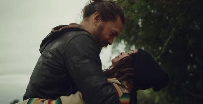 Джейсон Момоа придумал, как показать жене свою любовь
