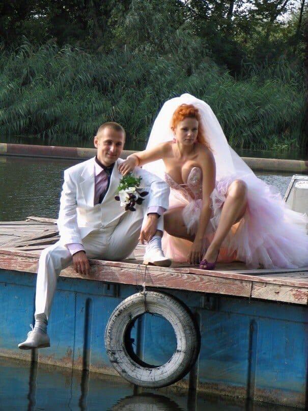 Невесты, которые не прочь похвастать ножками