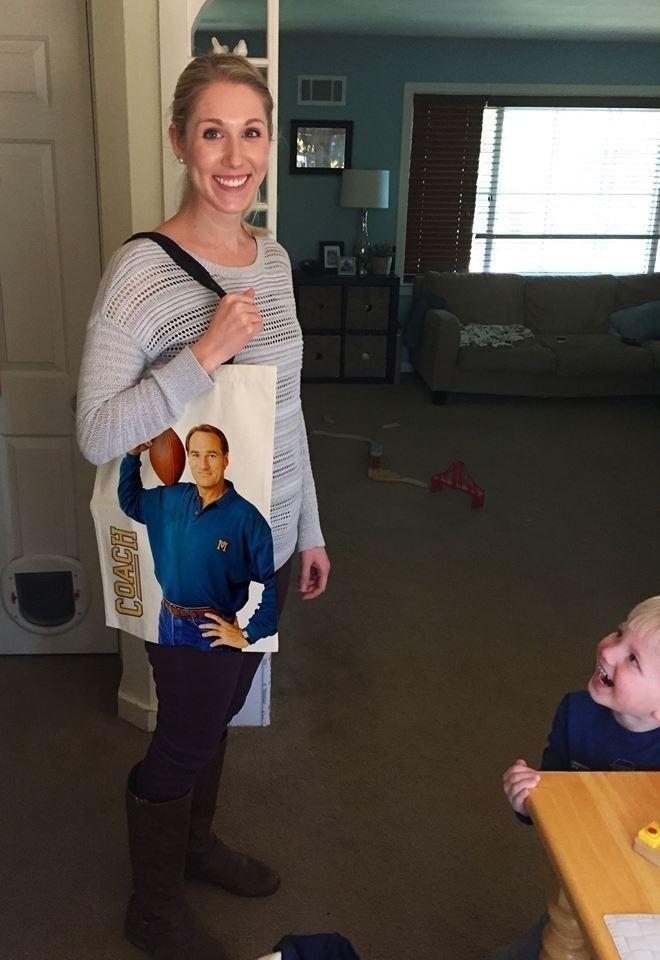 Я попросила его подарить мне на день рождения тренировочную сумку