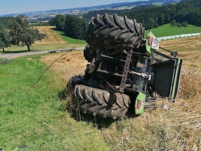 И тут я перевернул трактор