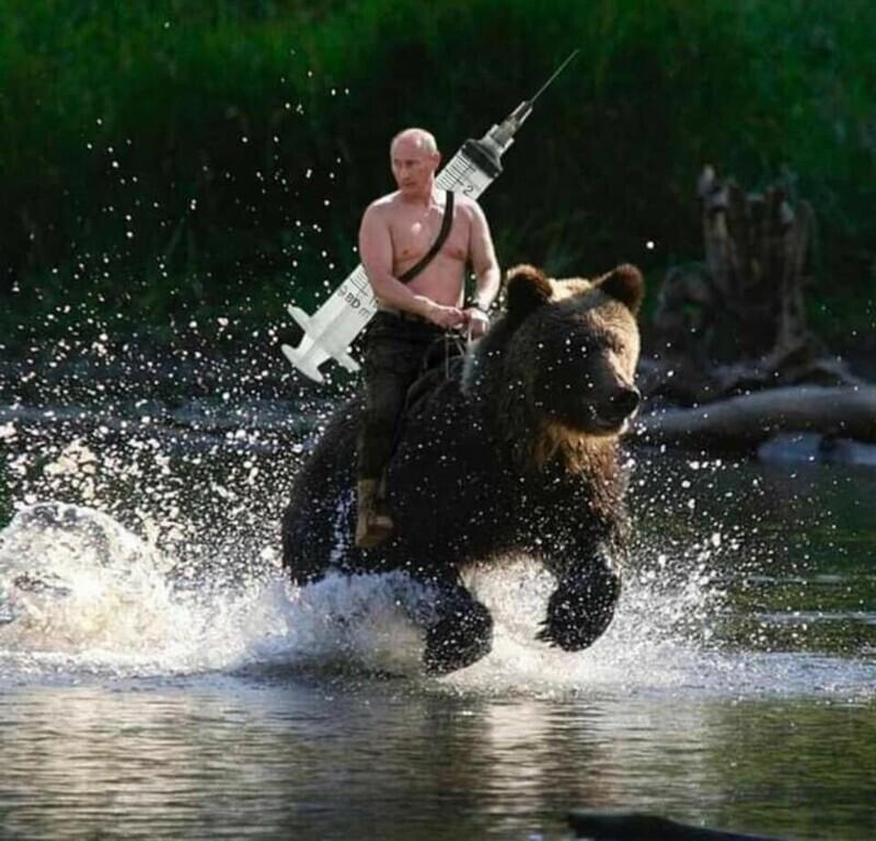 Владимир Путин спешит спасать мир от коронавируса...