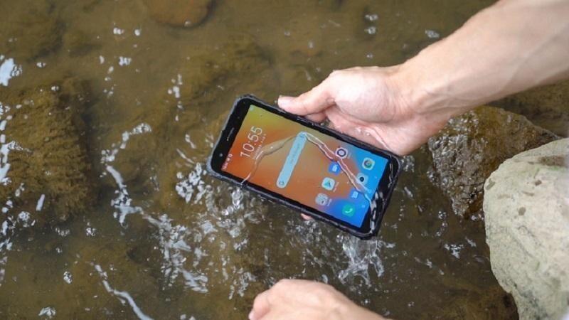 Водонепроницаемый смартфон для самых суровых условий