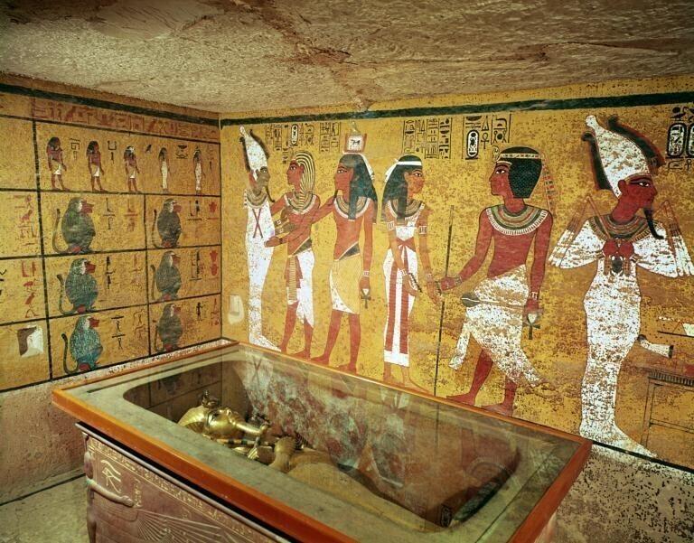 Древние египтяне хоронили мумифицированные говяжьи ребра, нарезанную утку и козье мясо, чтобы было чем питаться в загробной жизни