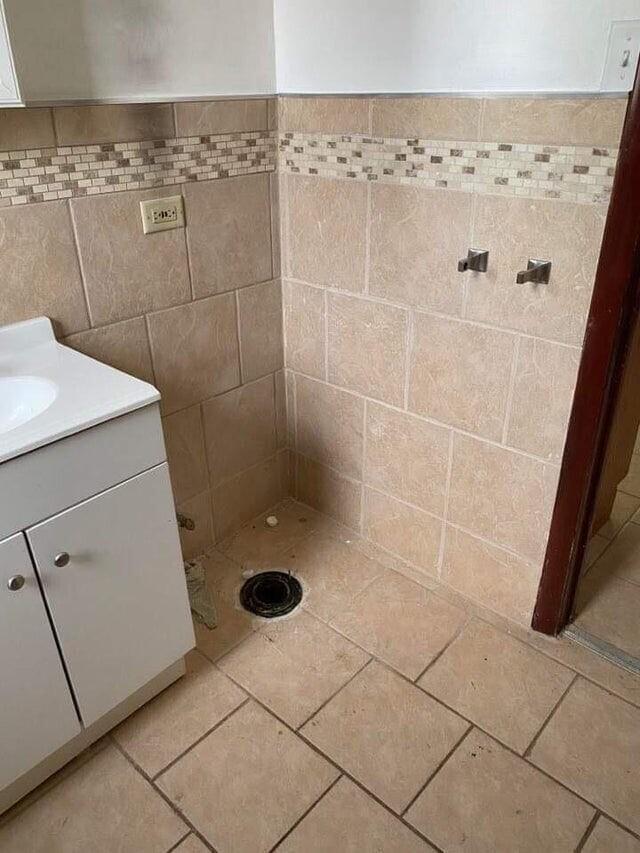 «Купил свой первый дом на распродаже недвижимости… Предыдущие владельцы украли унитаз после финального осмотра»