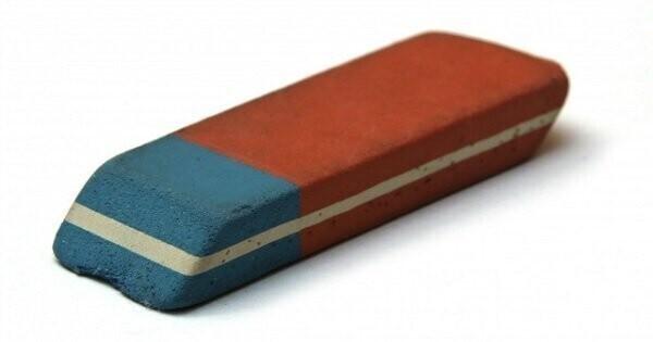 Стирает ли чернила синяя сторона ластика?