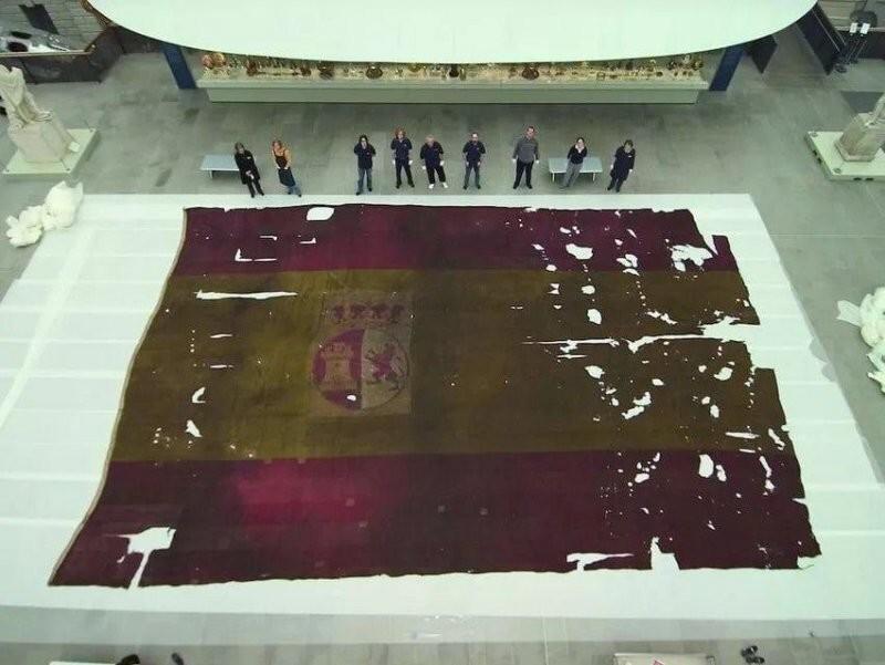 Размер флага испанского корабля, который участвовал в Трафальгарском сражении