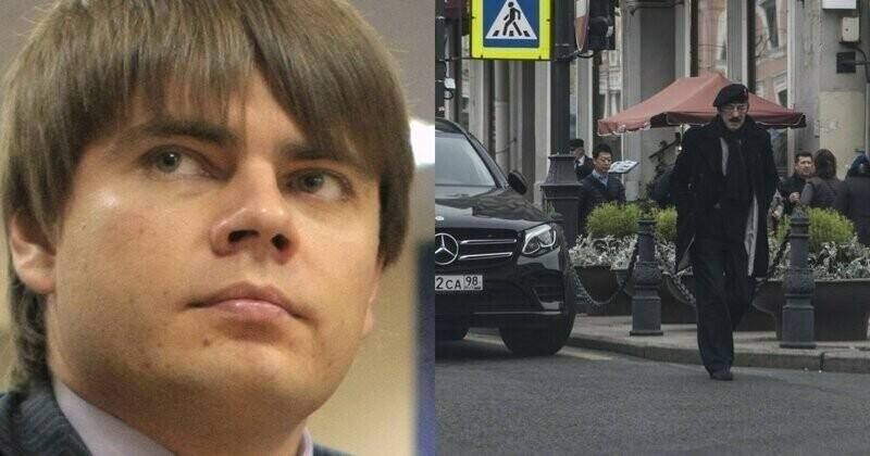 А в прошлом году Боярского поймали за парковкой автомобиля на встречке, и сын депутат пытался оправдать его возрастом