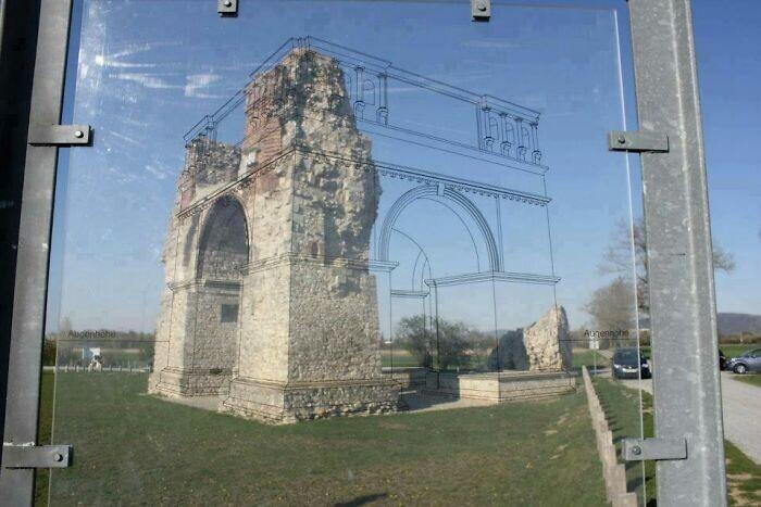 Простой и недорогой способ показать туристам, как раньше выглядели древние руины