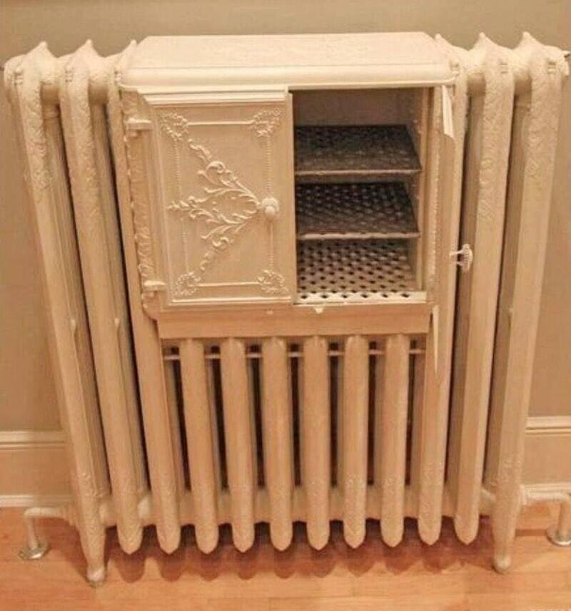 Чугунный радиатор викторианской эпохи с подогревателем хлеба