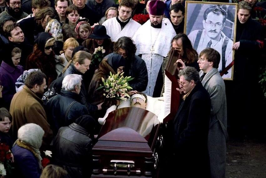 Телеведущий Владислав Листьев, чье убийство так и осталось нераскрытым