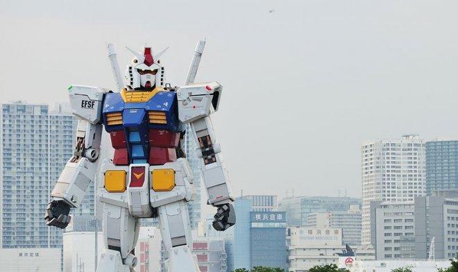 Спасайся кто может: японцы протестировали 18-метрового робота