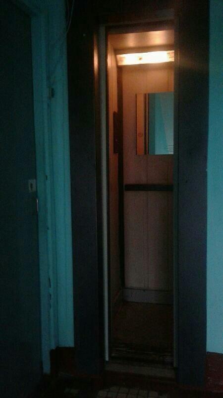 Лифт для людей, которые не боятся небольших замкнутых пространств