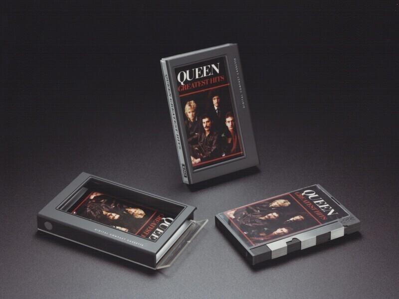 DCC (Digital Compact Cassette)