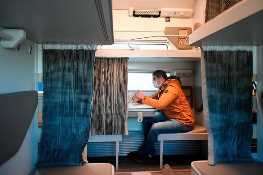 Плацкартный вагон немного подрос: фото изнутри