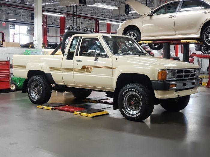 Toyota 86 года, 211 тысяч миль. В идеальном состоянии