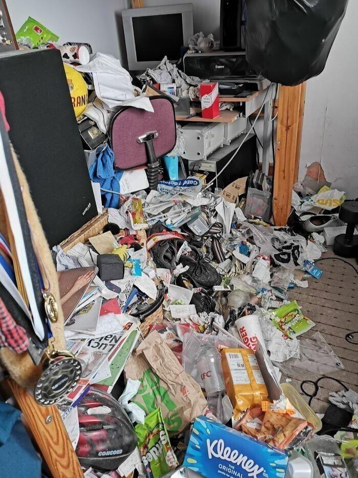 Вот другие участники конкурса на самую грязную спальню: