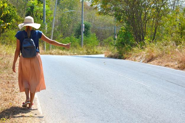 Можно ли девушке путешествовать автостопом